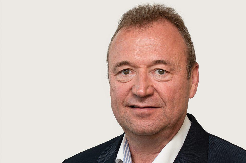 Hartmut Irmer leitet den Vertrieb der Creditreform Dortmund/Witten Scharf KG.