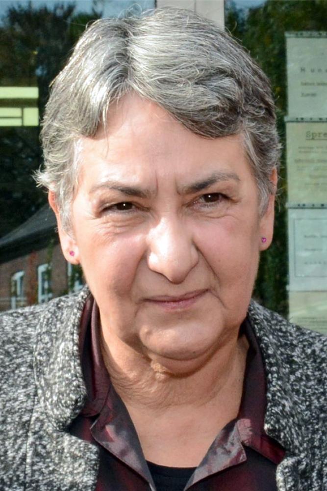 Rita Zachraj ärgert sich über das ganzjährige Böllern in ihrem Ortsteil - viele andere Bürger auch.