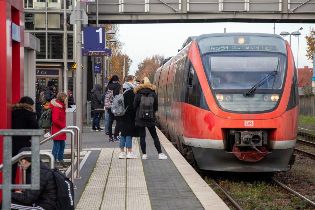 Die Fahrgäste der RB51, die über Ahaus fährt, wurden beim jüngsten landesweiten Masken-Kontrolltag von der Bundespolizei überprüft.