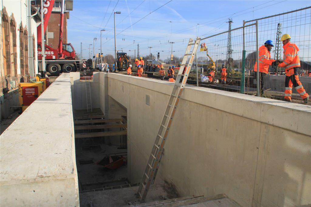 Die Personenunterführung am Bahnhof wird gebaut.