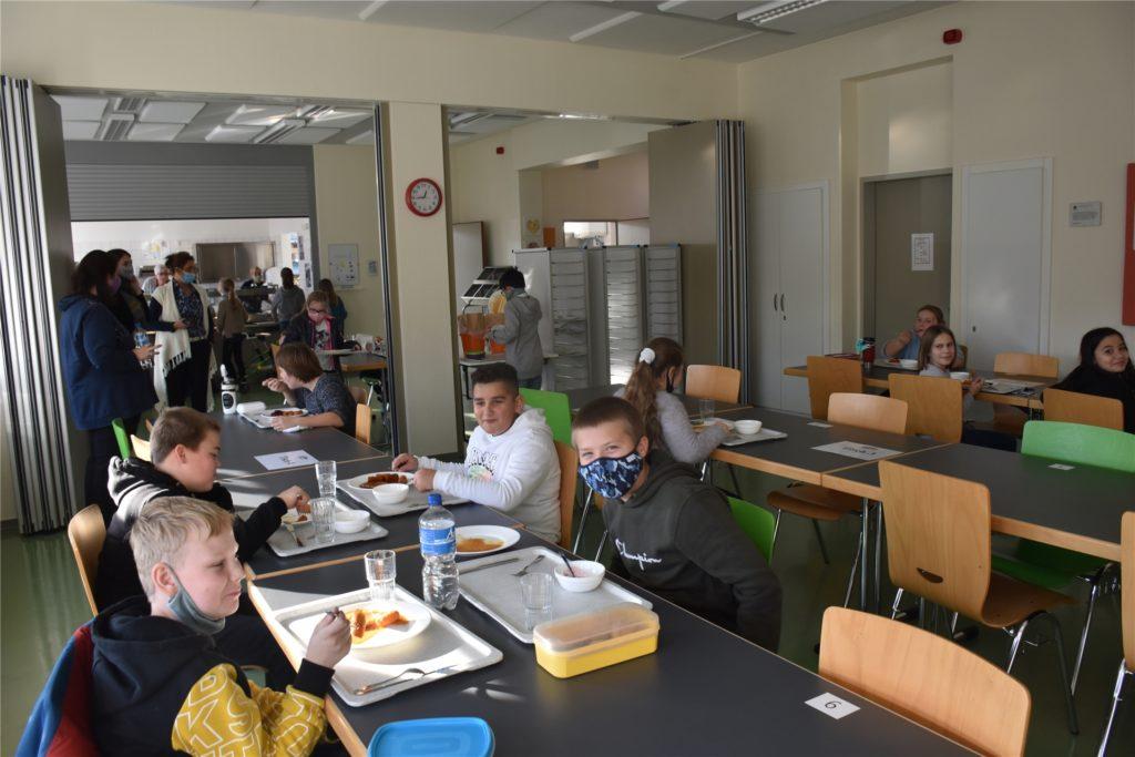 Die Mensa an der Paulus-van-Husen-Schule kann nun auch in Corona-Zeiten wieder genutzt werden.