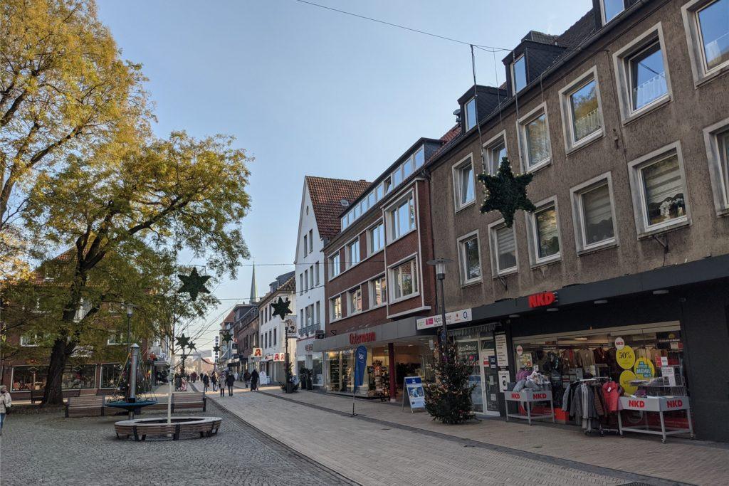 Auch in der Recklinghäuser Straße wurde eine Seniorin Opfer eines dreisten Halsband-Diebstahl.