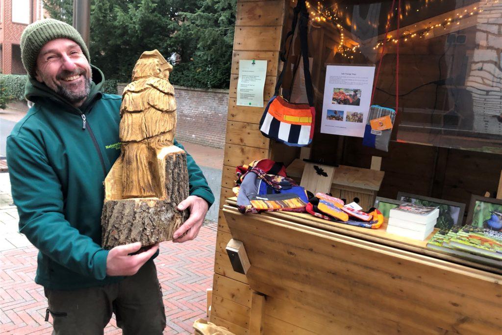 Für Waldführer Stefan Leiding sind die Stadtlohner Adventstage ein willkommener Anlass, sein Naturerkundungsprogramm vorzustellen.