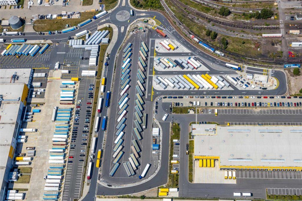 Ein Blick auf das Amazon-Logistikzentrum auf der Westfalenhütte in Dortmund