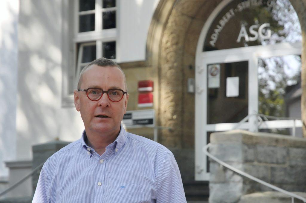 Für ASG-Schulleiter Joachim Höck blieben am Freitag noch einige Fragen ungeklärt.