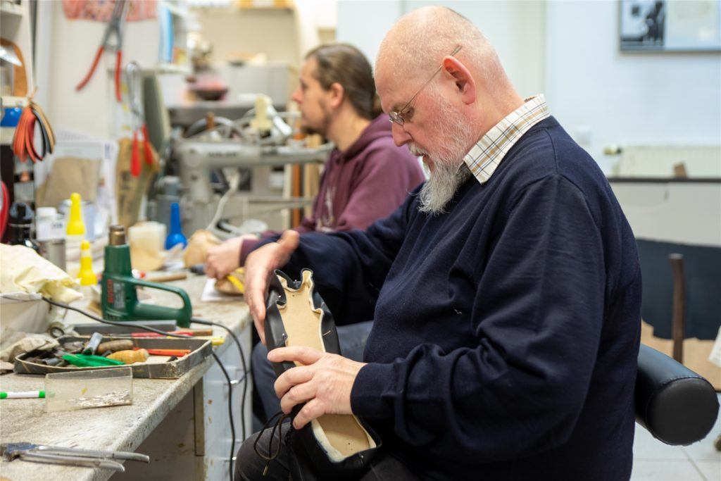 Peter Wessels ist gelernter Orthopädie-Schuhmacher. Kundenberatung im Geschäft ist nicht sein Ding.