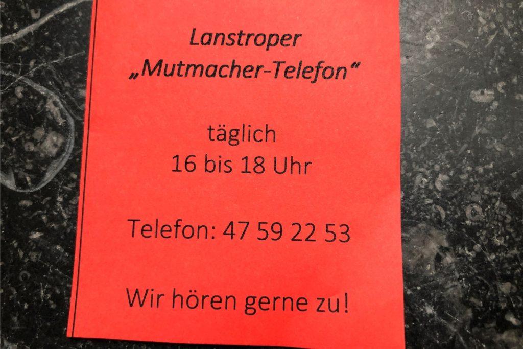 Mit solchen Flyern, die unter anderem am Lotto-Toto-Laden neben dem Netto an der Färberstraße ausliegen, wirbt Marek Grzegorek für sein Angebot