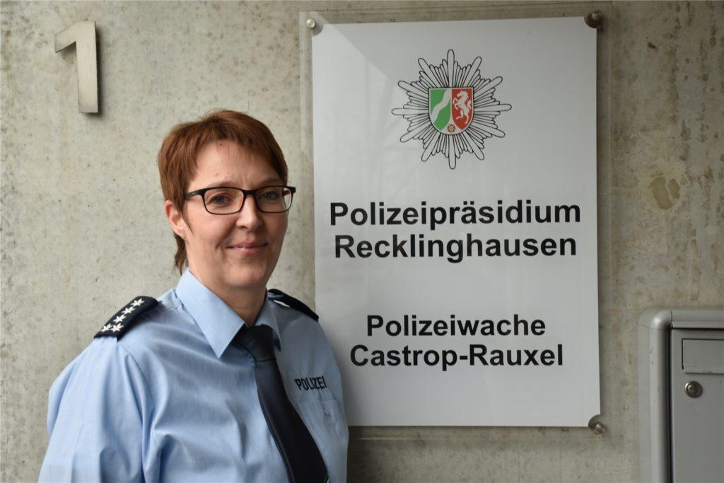Esther Arnold-Strunz tritt die Nachfolge von Rolf Skraburski an, der nach zehn Jahren den Dienst in Castrop-Rauxel beendete.