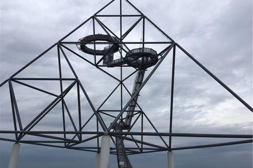 Das Ziel hoch über dem Ruhrgebiet: der Tetraeder in Bottrop