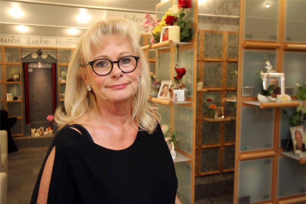 Susanne Lategahn leitet mit ihrem Mann Bernd das Bestattungsunternehmen Lategahn.