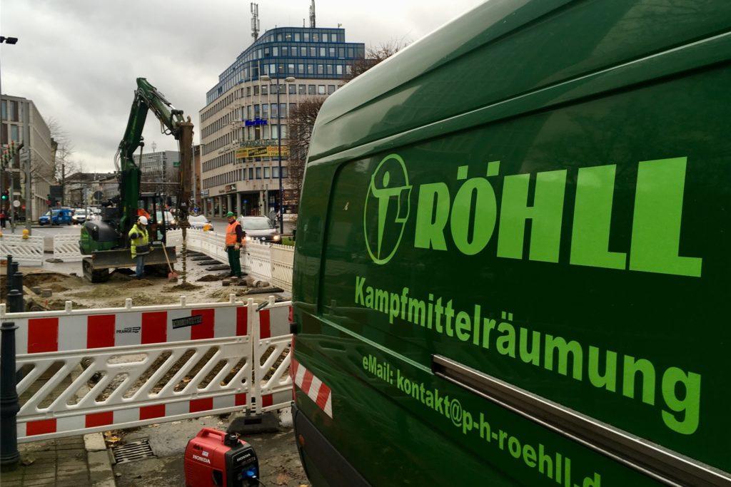 Vor einer möglichen Entschärfungsaktionen finden an Verdachtspunkten meist Sondierungsarbeiten statt - wie hier an der Hansastraße.