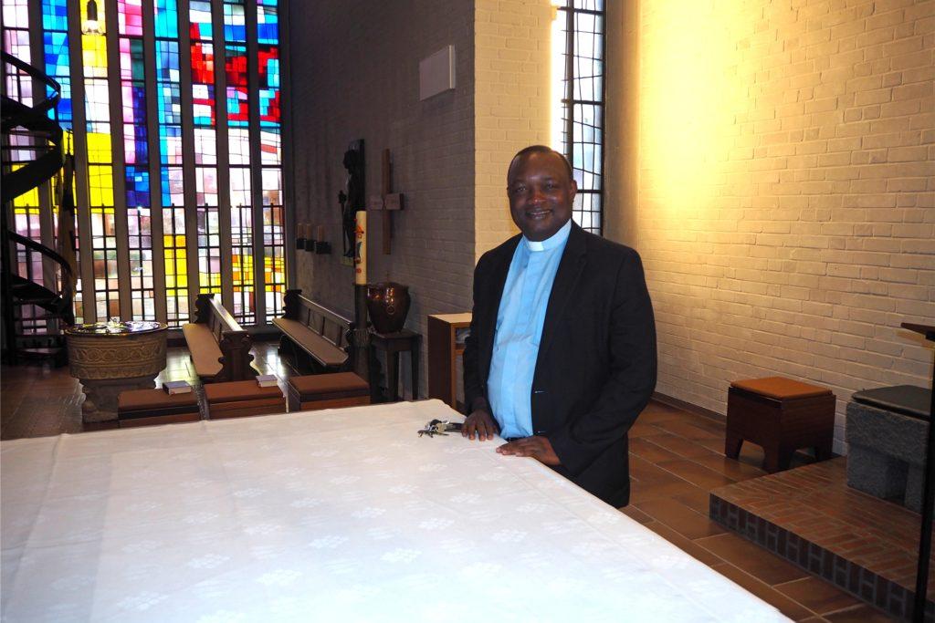 Pfarrer Eluke war sechs Jahre lang in der Mauritius-Gemeinde tätig - im Februar wechselte er nach Duisburg.