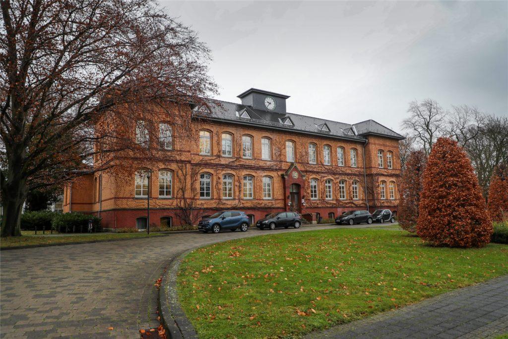 An verschiedenen Standorten therapiert die LWL-Klinik in Aplerbeck Erwachsene, Kinder und Jugendliche.
