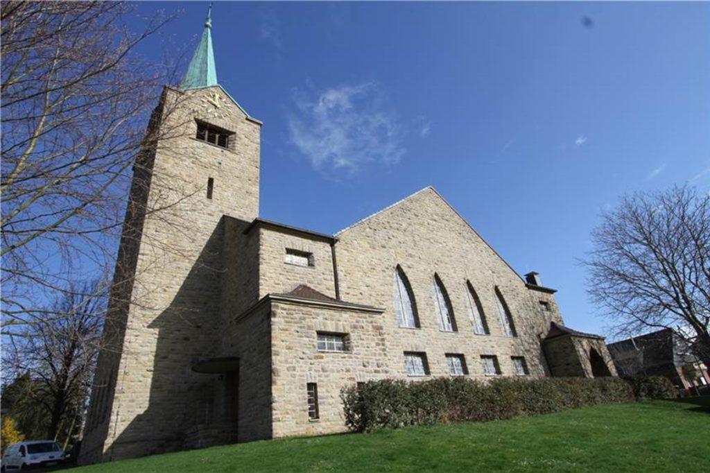 In der Kreuzkirche in Berghofen war auch während des ersten Lockdowns sonntags ein stilles Gebet möglich.