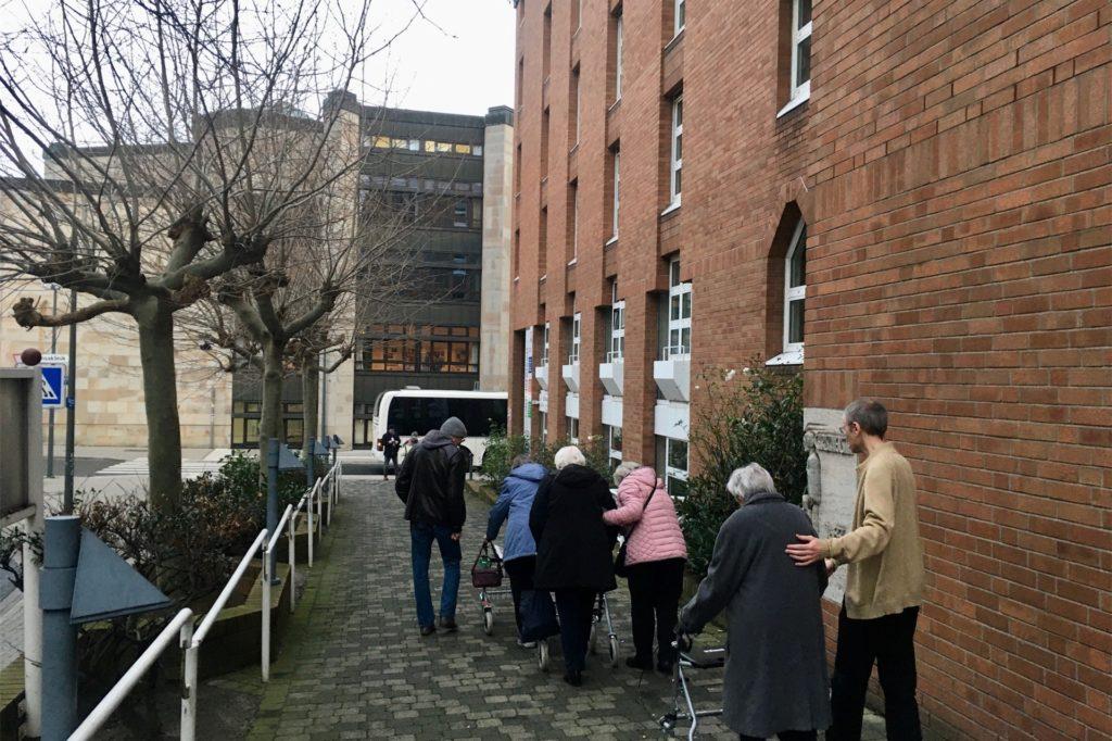 Mehrere Pflegeheime, wie hier das Christinenstift, mussten für die Bombenentschärfung geräumt werden.