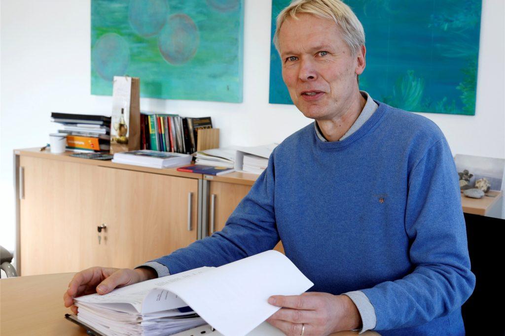 Ulrich Wessel, Schulleiter des Joseph-König-Gymnasiums, wünscht sich wieder einen normalen Schullalltag.