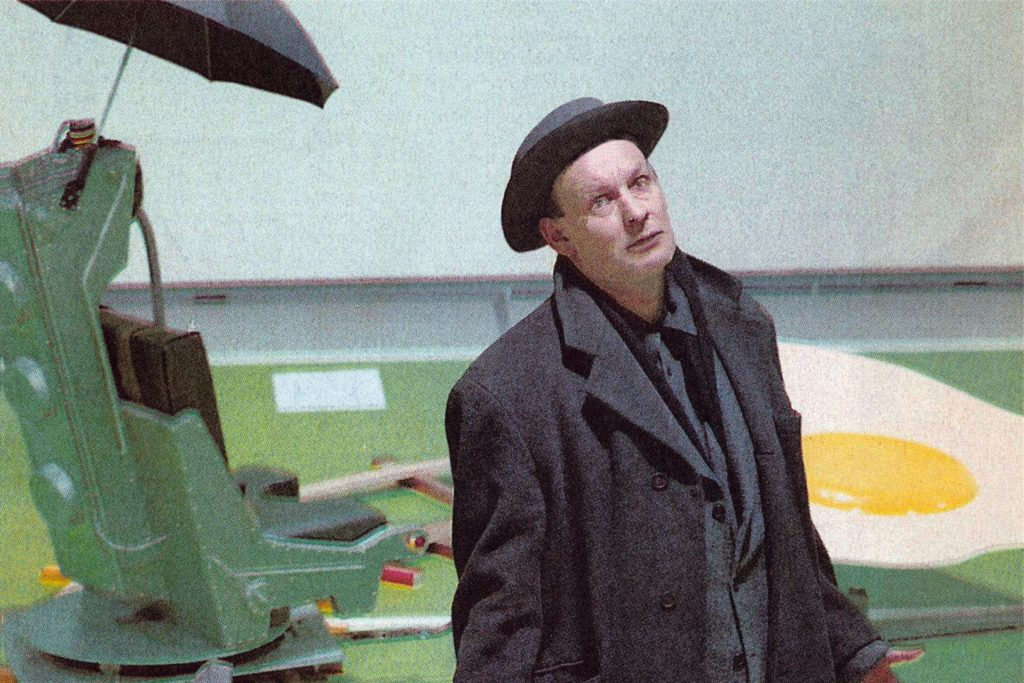 Drei Herren mit Hut: Martin Kippenbergers Kunst wird an zwei Orten in Essen zu sehen sein.