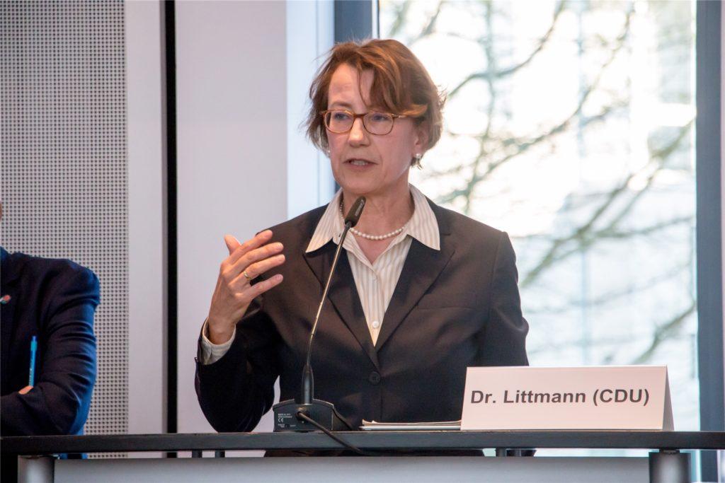 Dr. Annette Littmann stößt sich am Verhalten von Friedrich Merz.