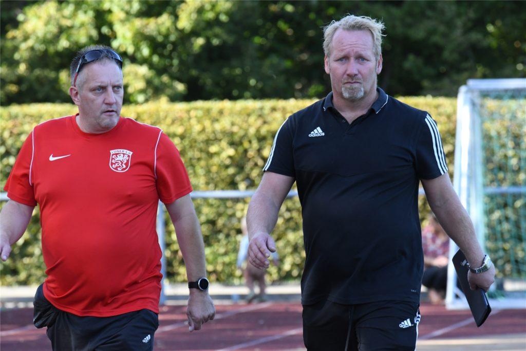 Für Trainer Manuel Lorenz (rechts) und den Lüner SV II hätte der Saisonstart kaum schlechter laufen können.