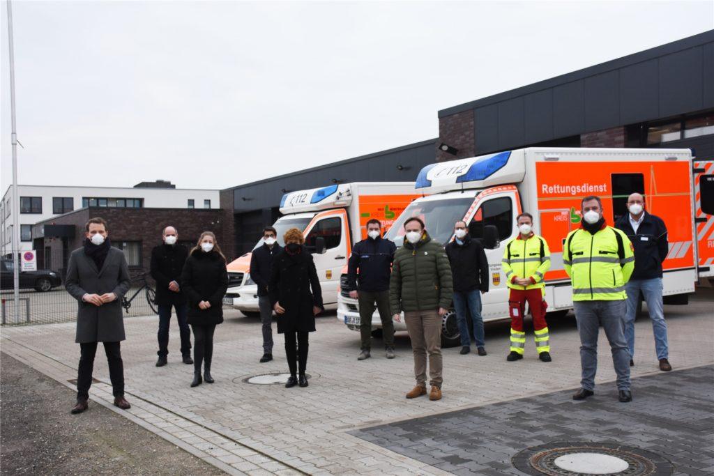 Vertreter vom Kreis Borken, der Aachener Firma Umlaut und des DRK haben das Telenotarzt-System vorgestellt.