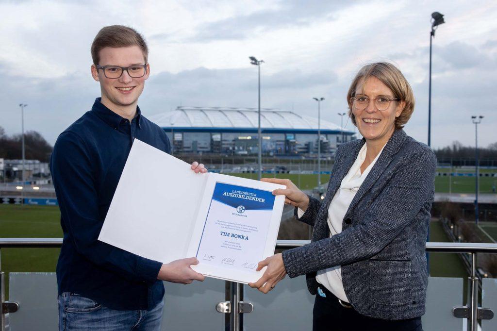 Concordia Flaesheims Stürmer Tim Bonka hat seine Ausbildung beim FC Schalke 04 mit Bestnoten abgeschlossen.