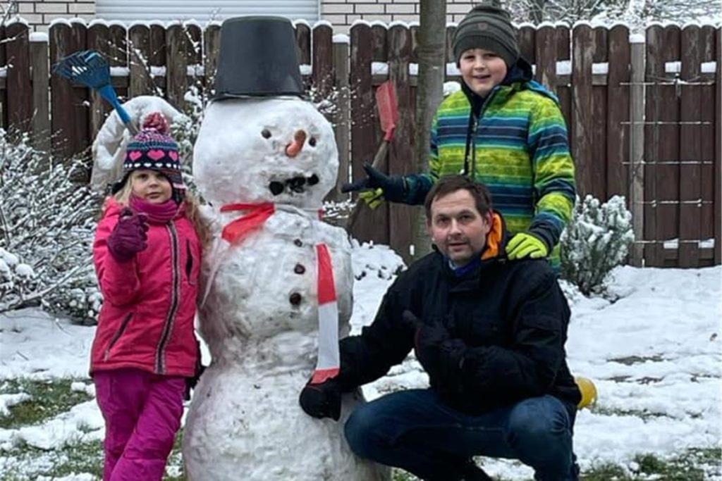 Endlich konnten die Kinder Schneemänner bauen.