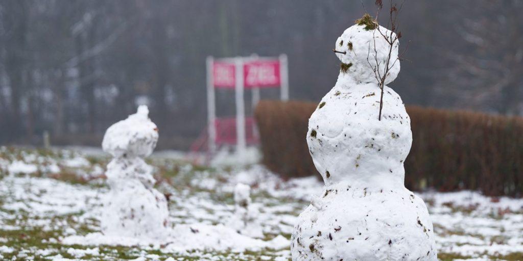 Auch wenn der Schnee nur kurz liegen blieb, war doch genug Zeit, einen Schneemann zu bauen.