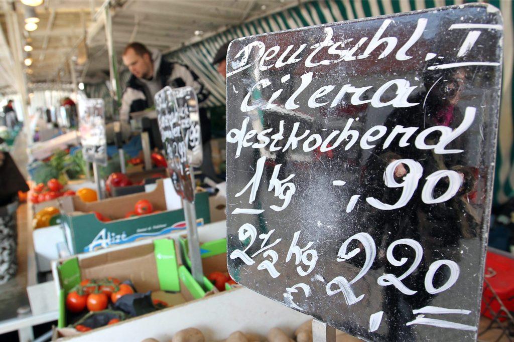 Lebensmittel dürfen seit Beginn der Corona-Pandemie auf dem Wochenmarkt in Werne verkauft werden.