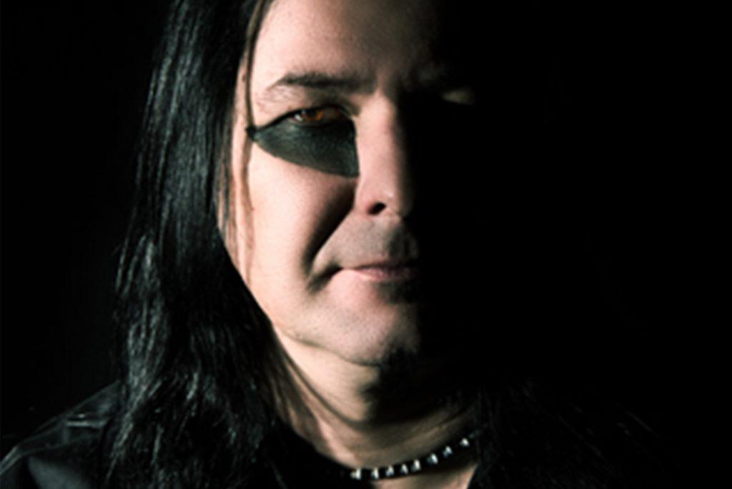 Matt Bauer ist Schlagzeuger der Band
