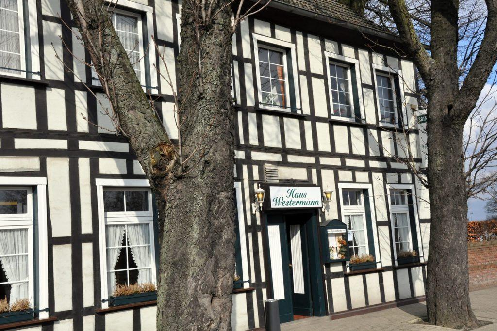 Das Haus Westermann bietet einen Liefer- und Abholservice für Speisen an. Hotelzimmer können derzeit nur an Geschäftsreisende vermietet werden.