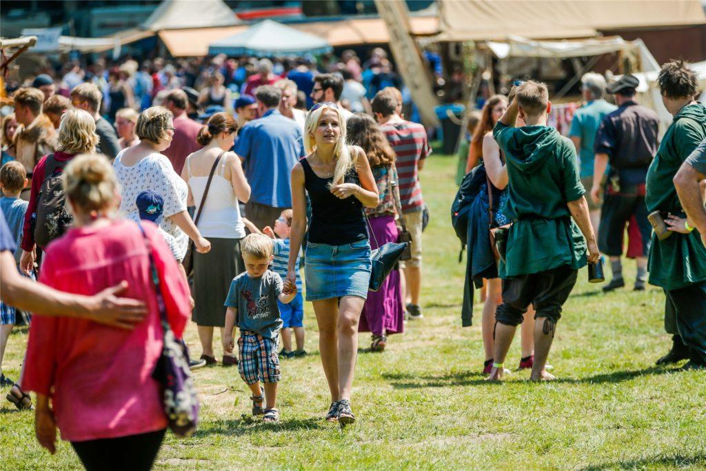 Zu dem mittelalterlichen Spektakel im Mengeder Volksgarten kamen im Jahr 2019 600 Lagerer, Versorger, Handwerker und Kaufleute, die die Besucher unterhielten.