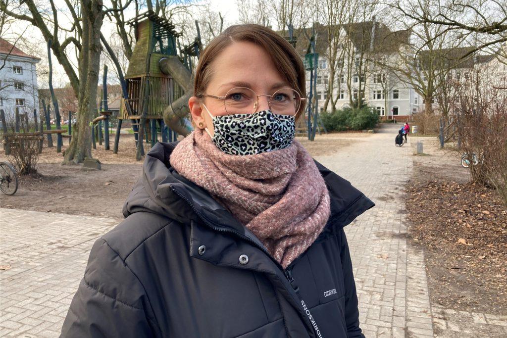 Sarah Seidel ist 36 Jahre alt, hat zwei Jungs im Alter von 3 und 6 Jahren. Sie ist Psychologin am Klinikum Dortmund.
