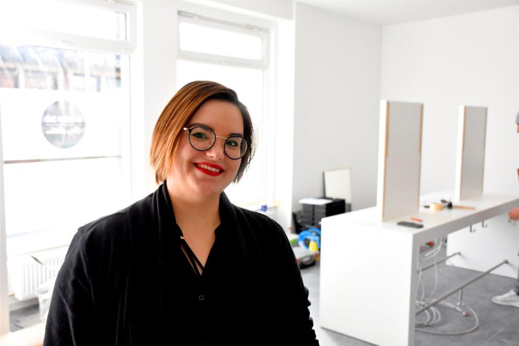 In den Räumen an der Wesheimstraße gab es schon einmal einen Friseursalon. Katrin Orthaus wagt dort aber einen kompletten Neuanfang. Ihren Salon hat sie deswegen