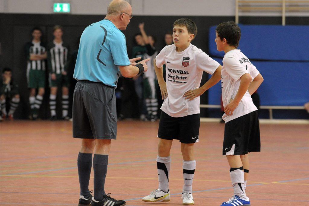 Normalerweise wäre Schiedsrichter Rainer Brummel im Moment auch wieder bei der Hallenstadtmeisterschaft der Junioren im Einsatz.
