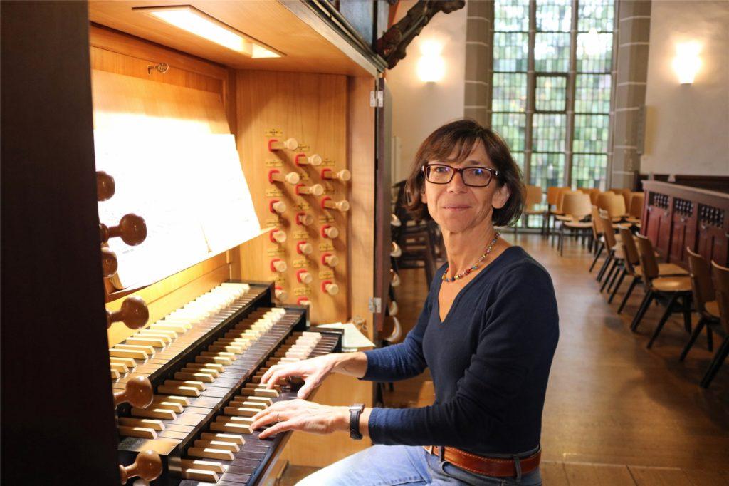 Jutta Timpe ist Kantorin in Lünen und spielt regelmäßig Orgel in der St. Georg Stadtkirche.