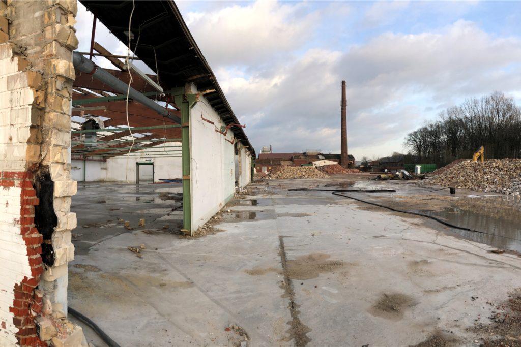 Leere Hallen, Trümmerberg – das Ende der ehemals stolzen Stuhlfabrik Spahn.