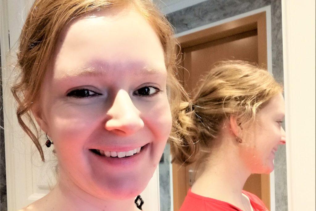 Julia Kowal lässt ihre Haare wachsen und bändigt sie oft mit einem Pferdeschwanz.