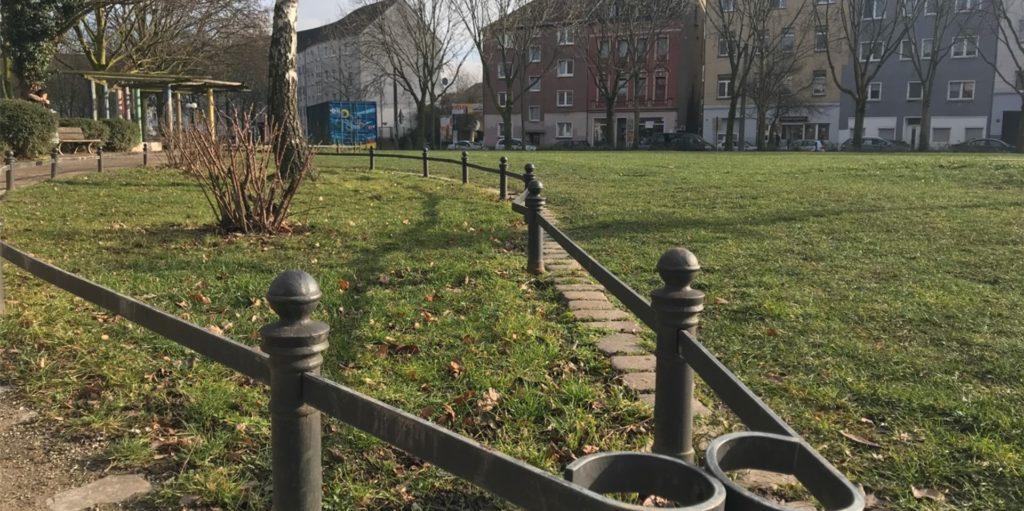 Im Park Heroldswiese ist in der Nacht auf Sonntag ein 19-Jähriger niedergestochen worden.