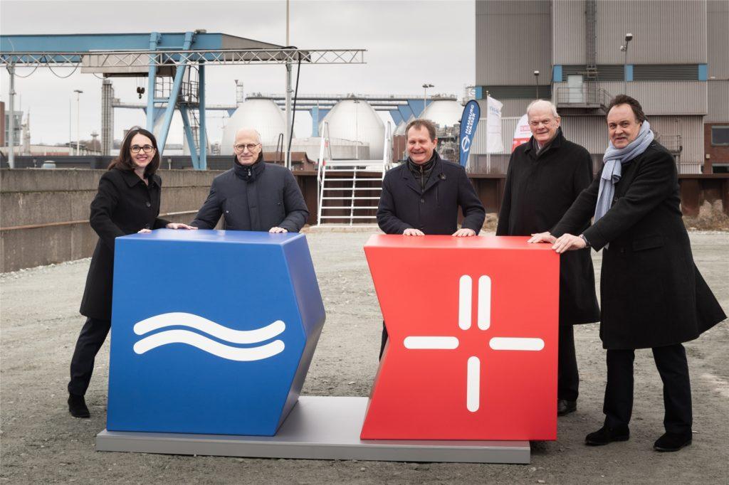 Am 1. März 2019 wurde in Hamburg der Grundstein zur weltweit ersten Phosphor-Recycling-Anlange gelegt - mit Know-How aus Lünen.