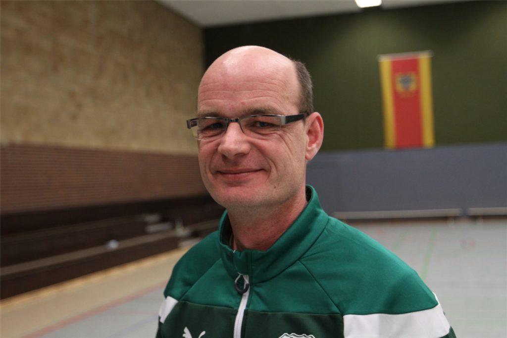 Manfred Trahe ist Vorsitzender der Fußballer des TuS Ascheberg und Trainer einer D-Jugend-Mädchen-Mannschaft.