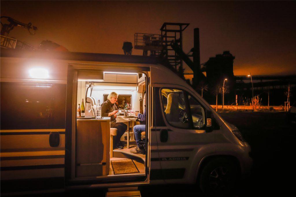 Die meisten Camping-Dinner-Gäste reisen mit dem eigenen Wohnmobil an.
