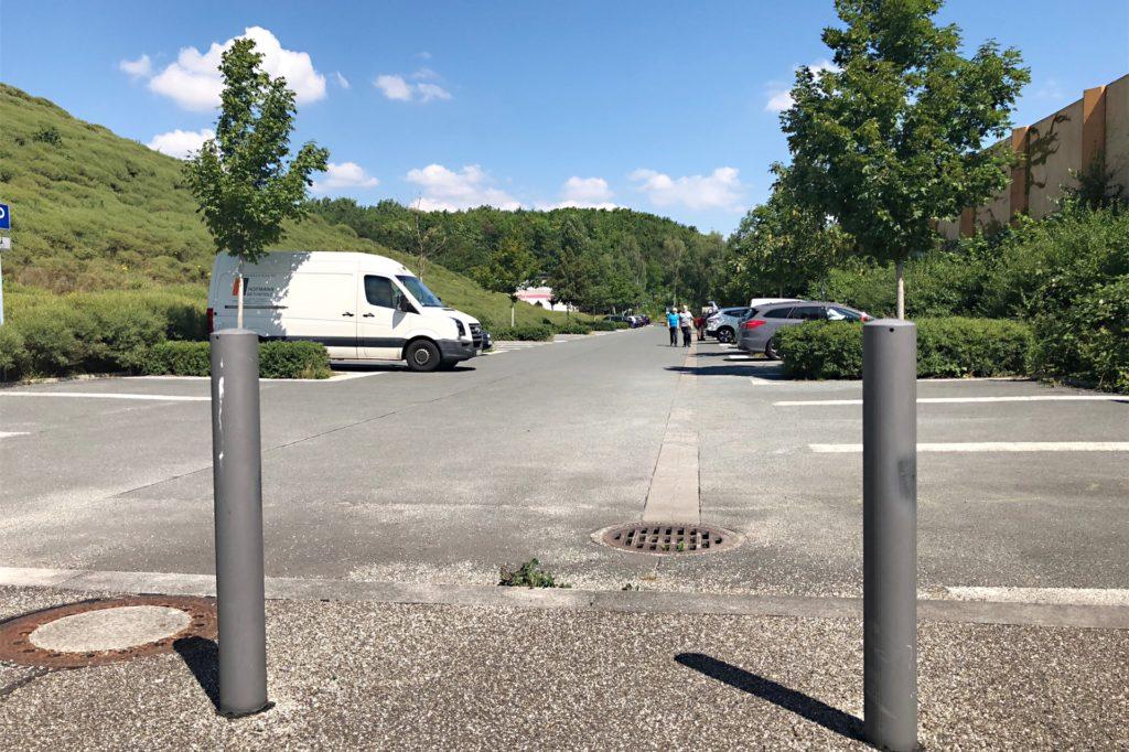 Der Phoenix-See-Parkplatz an der Meinbergstraße: Auch hier gibt es keine Ladesäule.