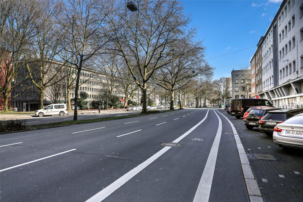 Bislang gibt es meist nur schmaler Radwege am Wallring. Das soll sich ändern.