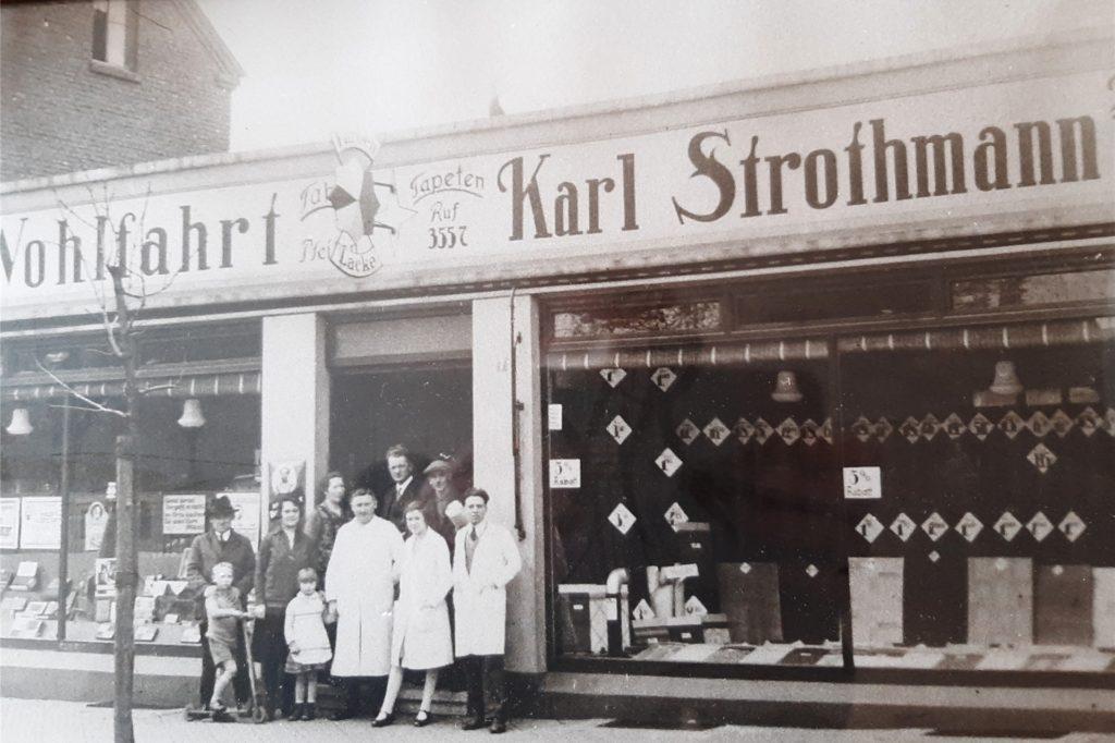 Das Geschäft des Vaters von Karl-Heinz Strothmanns an der Baroper Bahnhofstraße, das er später übernahm. Eröffnet wurde das Geschäft, zu dem später auch eine Drogerie gehörte, im Jahr 1924.