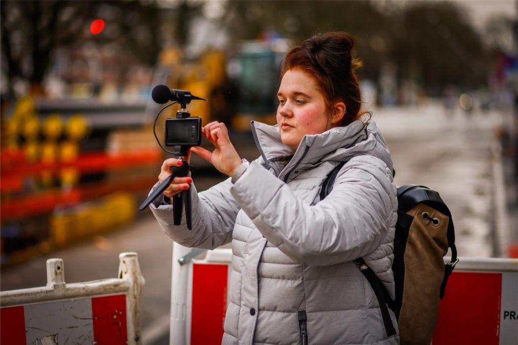 Außeneinsatz für Volontärin Irina Höfken: Sie berichtet im Liveticker über die Bombenentschärfung - mit Texten, Fotos und Videos.