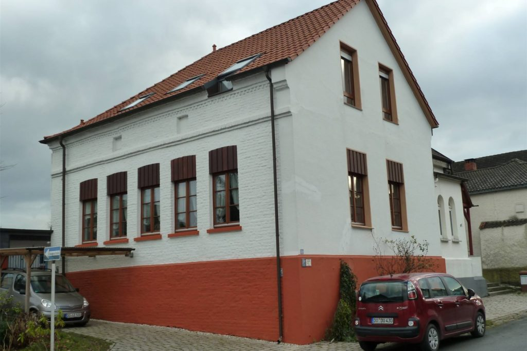 Das alte Lanstroper Schulgebäude an der unteren Bremsstraße/Ecke Michaelstraße steht noch immer