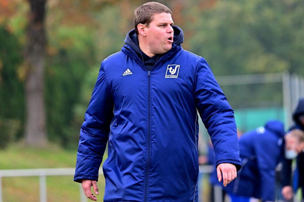 Sythens Trainer Dennis Schulz findet, dass es in der aktuellen Zeit keinen Sinn macht, auf Spieler zuzugehen, die er noch gar nicht kennt.