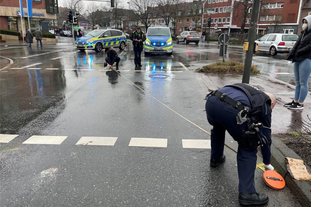 Während der Unfallaufnahme kam es zu Verkehrsbehinderungen in der Innenstadt.