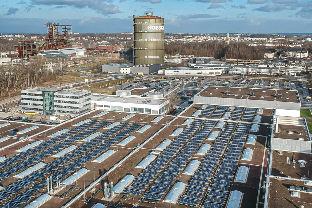 So groß wie 26 Fußballfelder ist der Wilopark in Dortmund. Hier arbeiten rund 2000 Mitarbeiter an der Entwicklung und Produktion von Pumpen und Pumpensystemen. Seit Baubeginn 2017 wurden allein 13.000 Tonnen Beton in alte Hohlräume unter dem Firmengelände verfüllt.