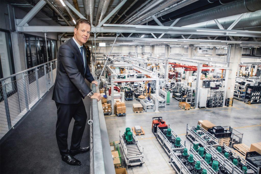 Wilo-Vorstandschef Oliver Hermes führt das Unternehmen aus Dortmund mit dem Mega-Projekt Wilopark in eine nachhaltigere Zukunft.